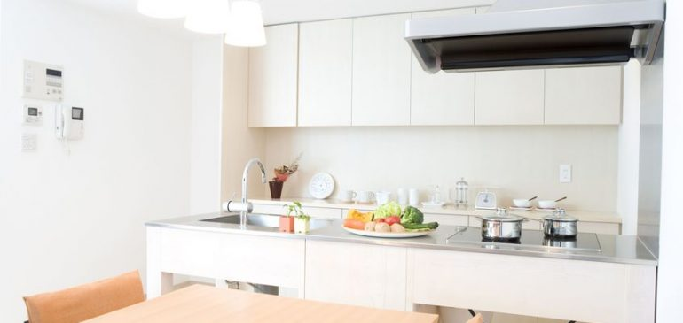 L'inox: qu'est-ce qui en fait un matériau d'exception pour vos équipements de cuisine?